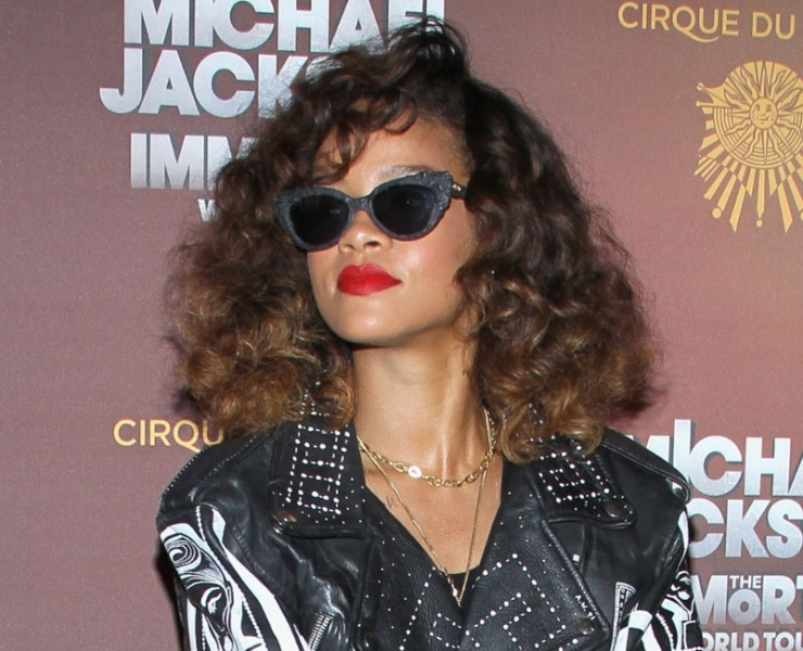 Rihanna wearing A-Morir sunglasses