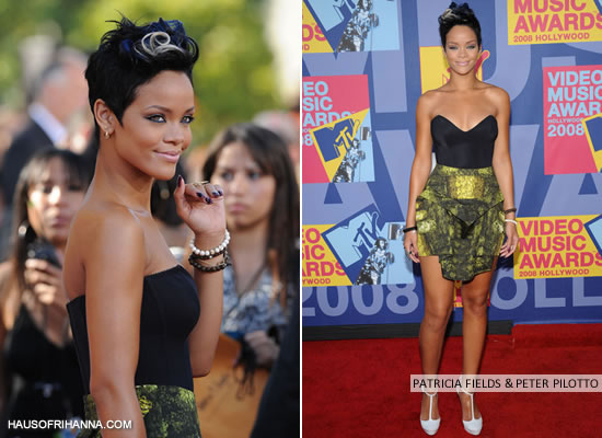 Rihanna at the MTV Video Music Awards 2008 wearing a Patricia Fields bustier and Peter Pilotto skirt