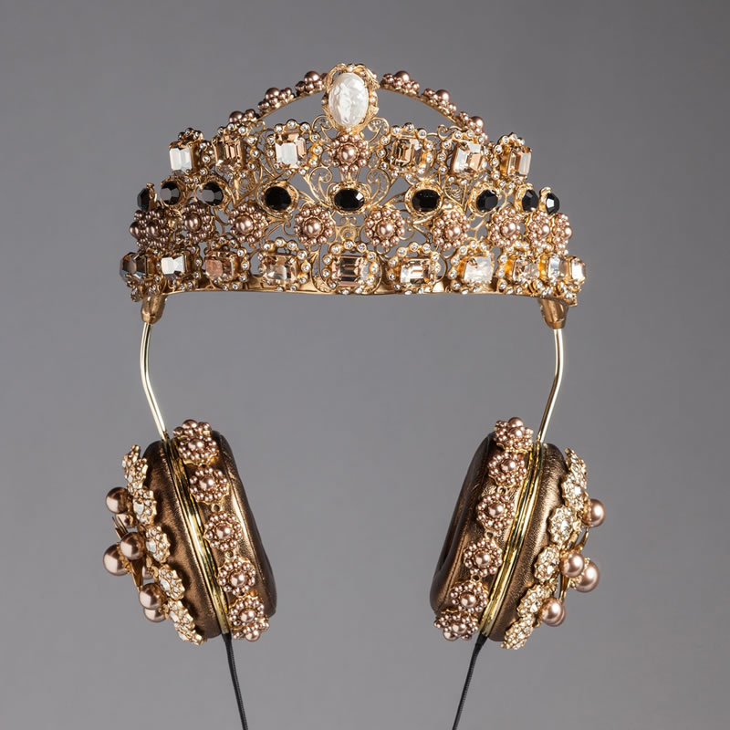 FRENDS x Dolce and Gabbana gold crown headphones as seen on Rihanna