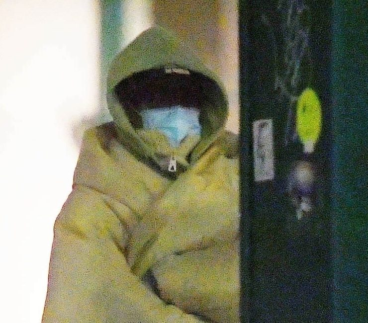Rihanna beige down jacket Jil Sander, Blind Vision vintage drunk cap, Nike x Off-White Air Jordan 5 retro sail sneakers